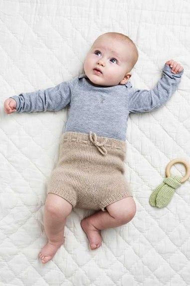 retstrikkede babybukser