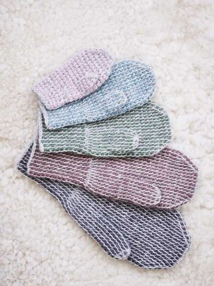Two-colour Mittens